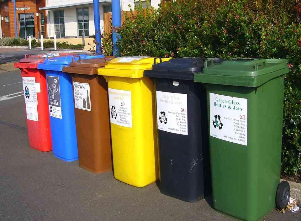 Używane kosze na śmieci