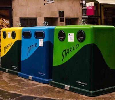 sortowanie smieci 400x350 - Dylematy związane z sortowaniem odpadów