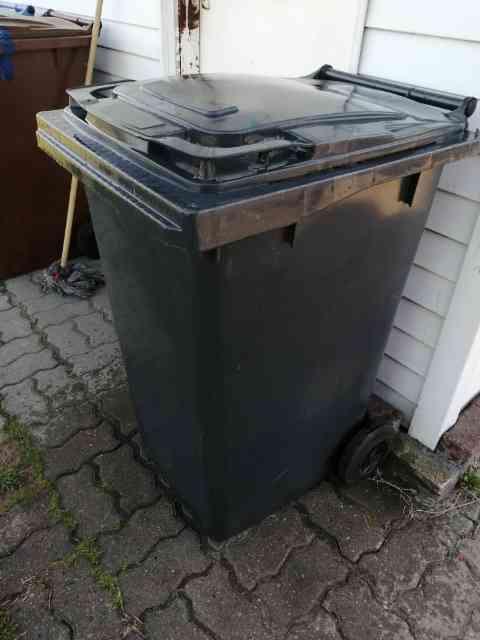 pojemniki niesegregowane - Pojemniki na odpady zmieszane