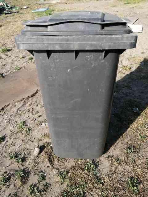 smietniki niesegregowane - Pojemniki na odpady zmieszane