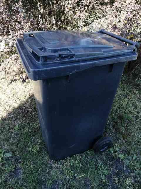 smietniki zmieszane - Pojemniki na odpady zmieszane