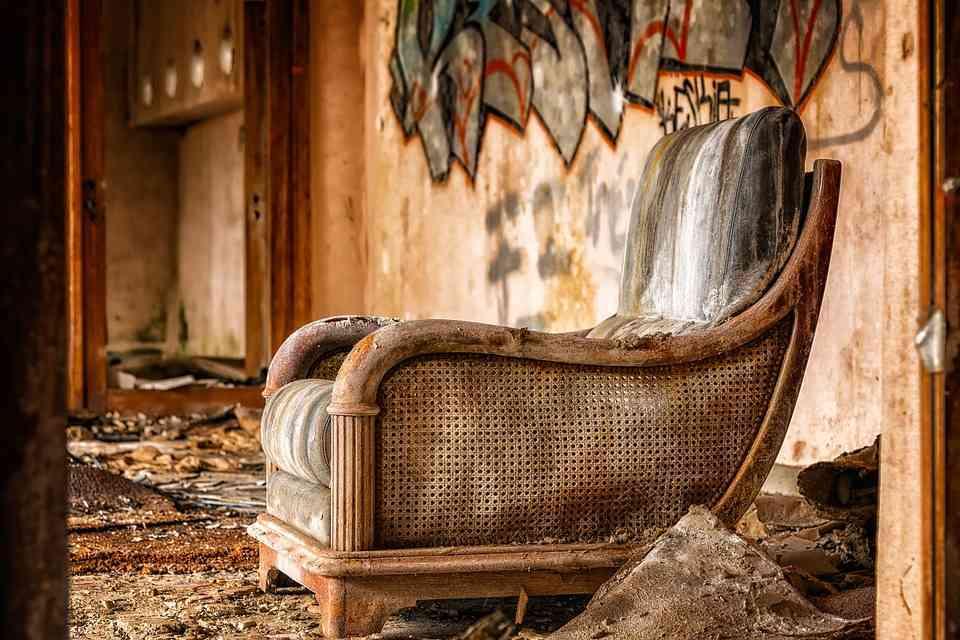 Gdzie wyrzucić stare meble ?