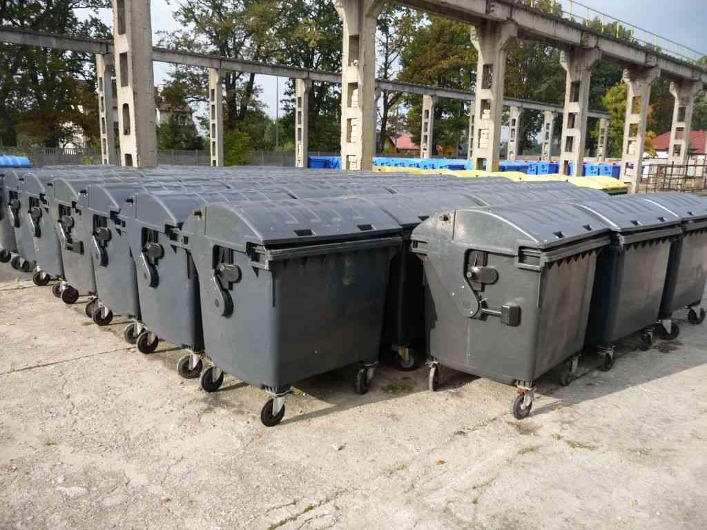 Wyposażenie nieruchomości w pojemniki na odpady