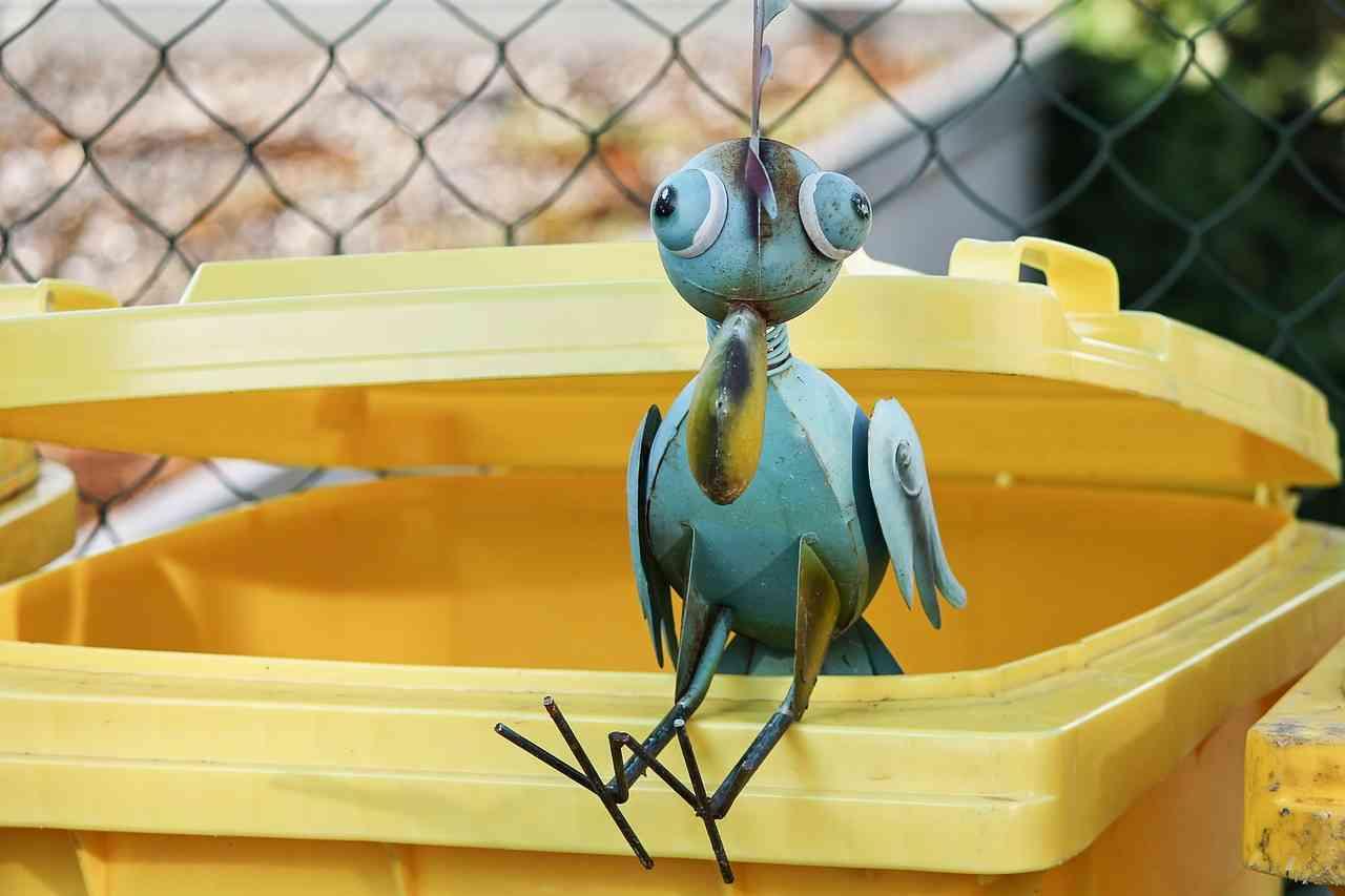 Pojemniki na śmieci segregowane